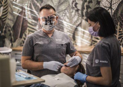 wstawianie implantu rzeszów