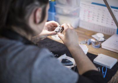 wykonywanie implantu zęba